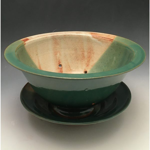 Verde Berry Bowl with Saucer